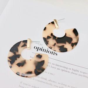 Novalie Tortoise Shell Resin Machete Hoop Earrings